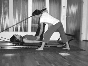 Pilates Frankfurt - K50 Personal Training Studio - Pilates Reformer - instruction jackknife